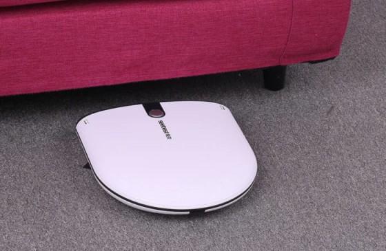 Уборка под мебелью: обзор тонких и мощных устройств