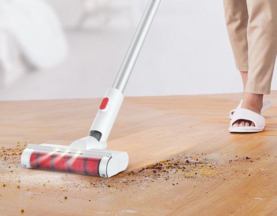Маленький, но мощный: выбираем ручной пылесос для дома