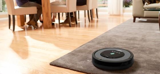 робот-пылесос в доме